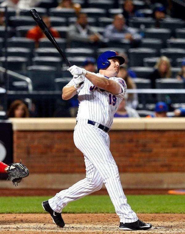Jay Bruce follows through on a ninth-inning home