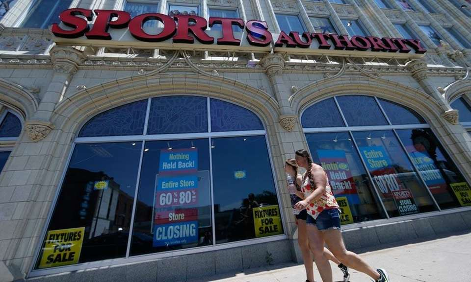 In 2003, sporting goods retailer Sports Authority had