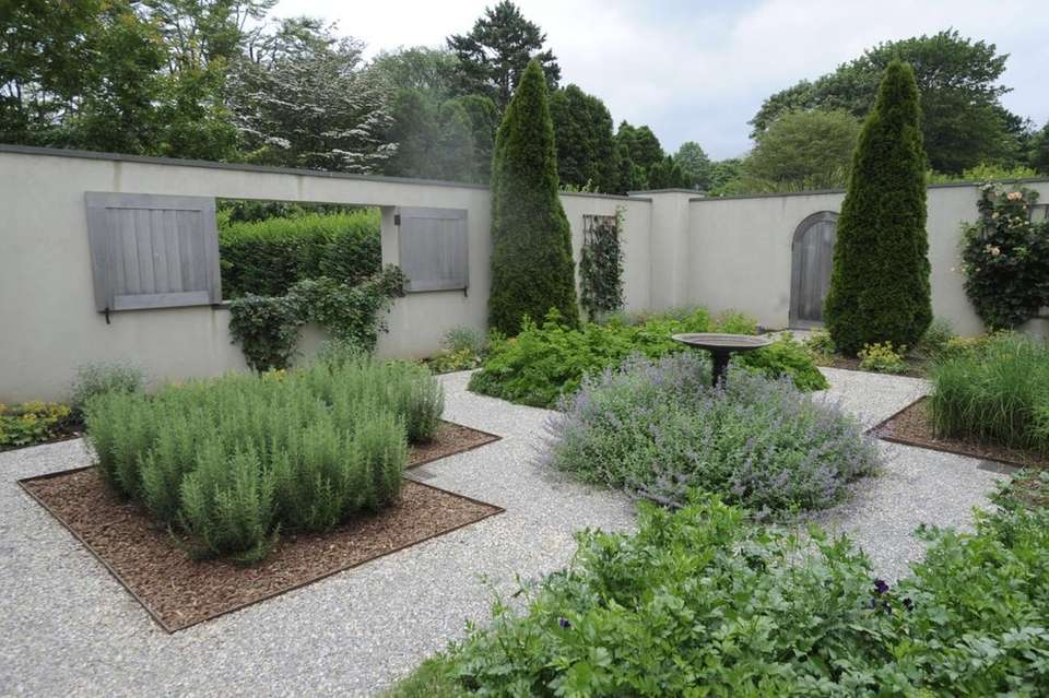 Ina Garten's grows catmint, rosemary, thyme and other