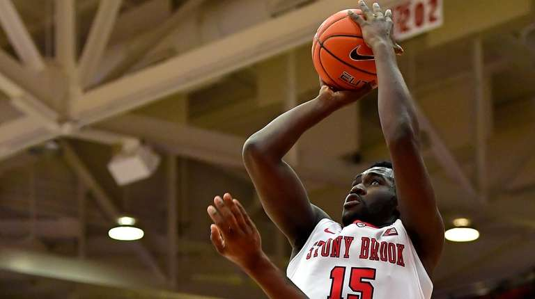 Akwasi Yeboah #15 of the Stony Brook Seawolves