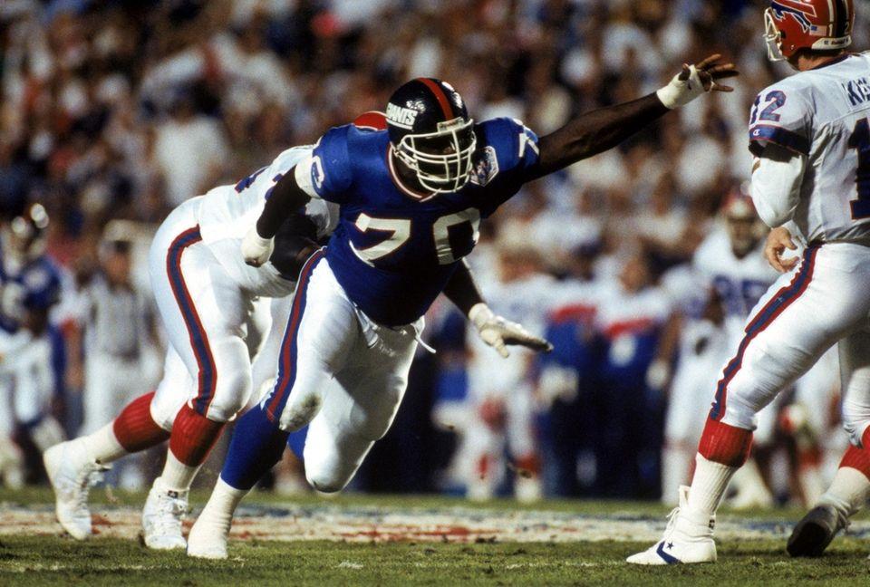 Defensive tackle Leonard Marshall of the New York