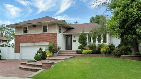 This split-level in Westbury is on the market