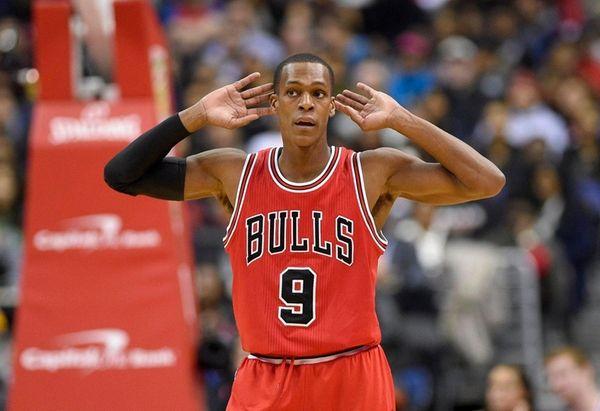 Chicago Bulls guard Rajon Rondo (9) gestures during