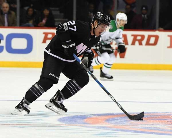 New York Islanders left wing Anders Lee skates
