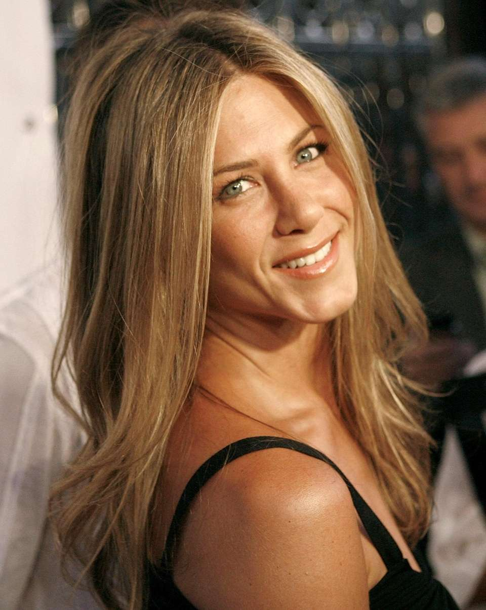 Jennifer Aniston arrives at the party to celebrate