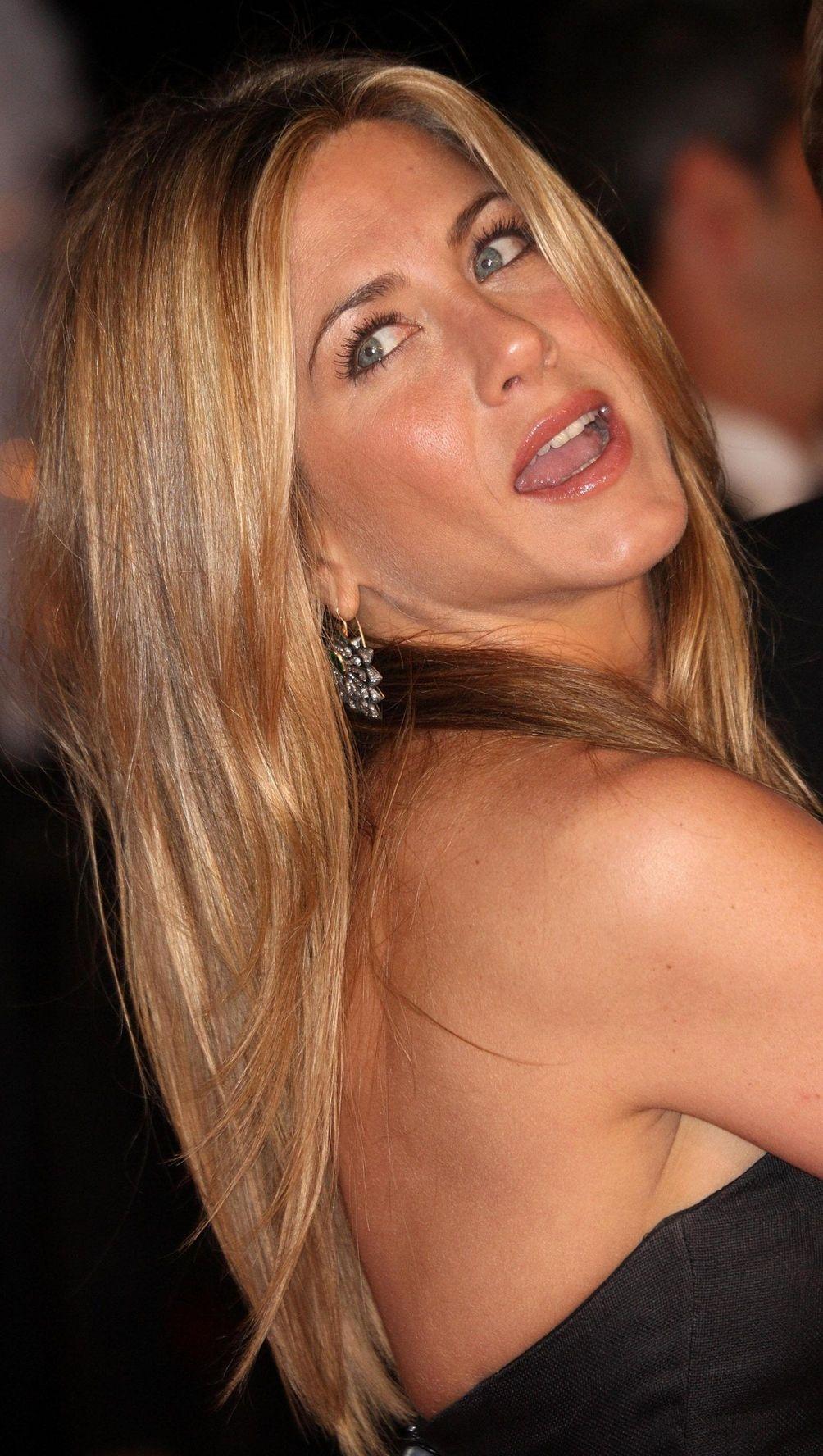 Jennifer Aniston attends the