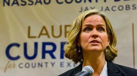 Nassau Legis. Laura Curran speaks to Democratic activists
