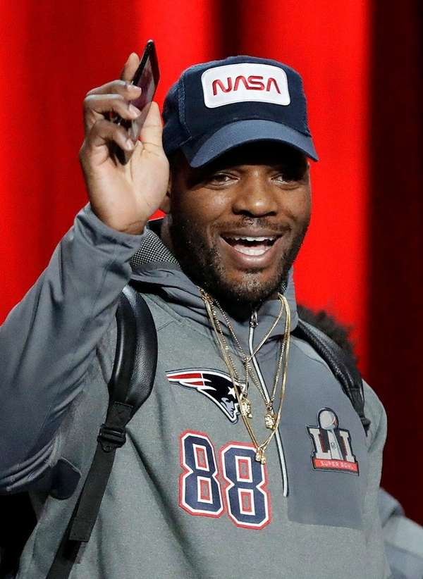 New England Patriots' Martellus Bennett wears a NASA