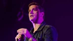 Rob Thomas, and more photos of celebrities born