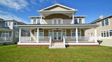 This Seaford Colonial has four bedrooms and three