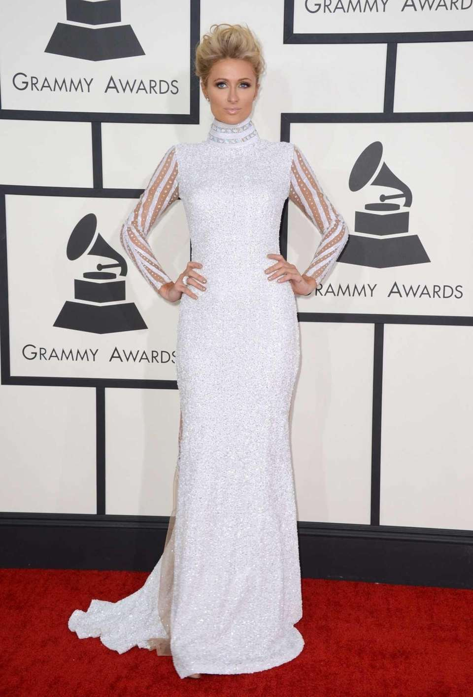 Paris Hilton arrives at the 56th annual Grammy