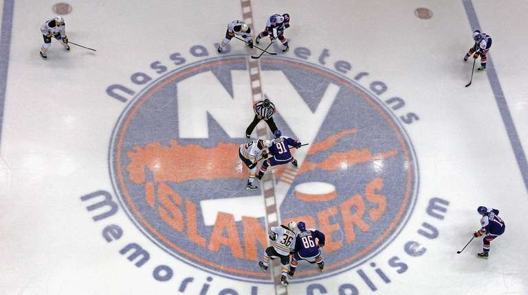 The New York Islanders faceoff aginst the Buffalo