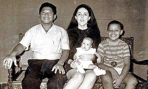 Obama, 9, right, with his mother, his Indonesian