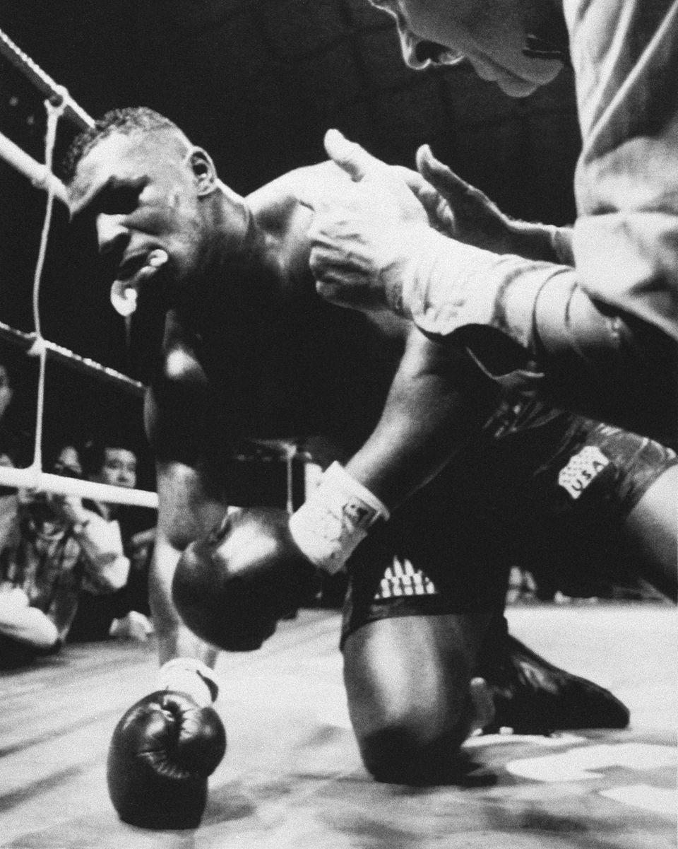 Feb 11 1990 James Buster Douglas Knocks Out Mike Tyson Newsday