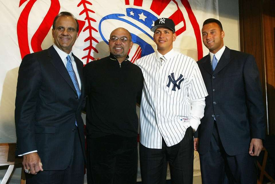 From left, Yankees manager Joe Torre, special advisor