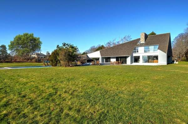This East Hampton home is on the market
