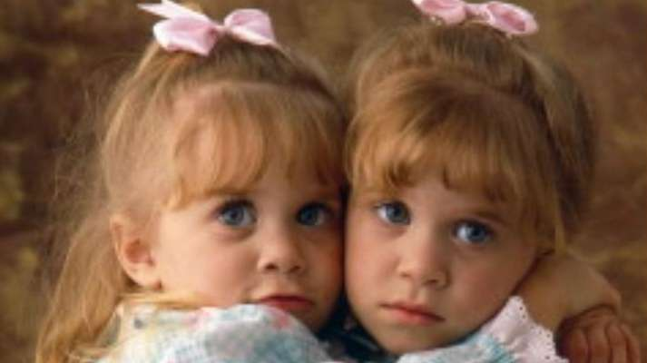 Mary-Kate & Ashley Olsen, plus more photos of