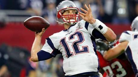Tom Brady of the New England Patriots attempts
