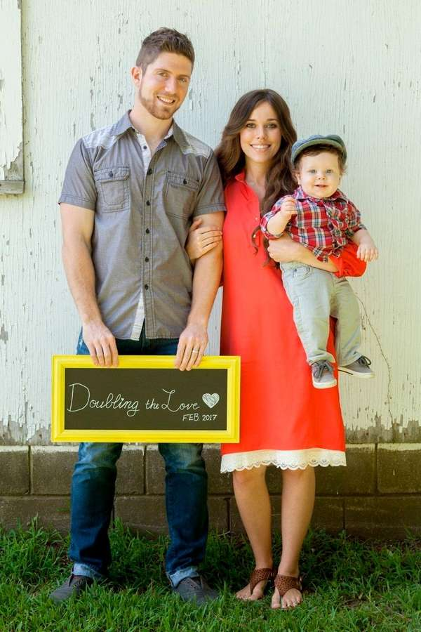 Ben Seewald and Jessa Duggar Seewald, with their