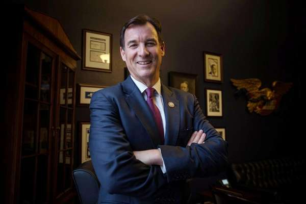 Rep. Tom Suozzi at a town hall