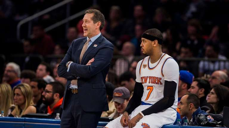 New York Knicks coach Jeff Hornacek, left, talks
