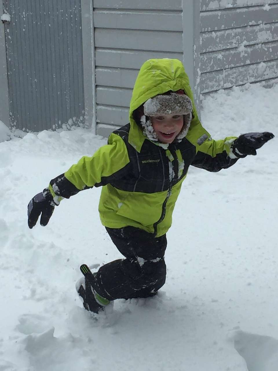 Thomas Neckin, 3, Running through the snow in