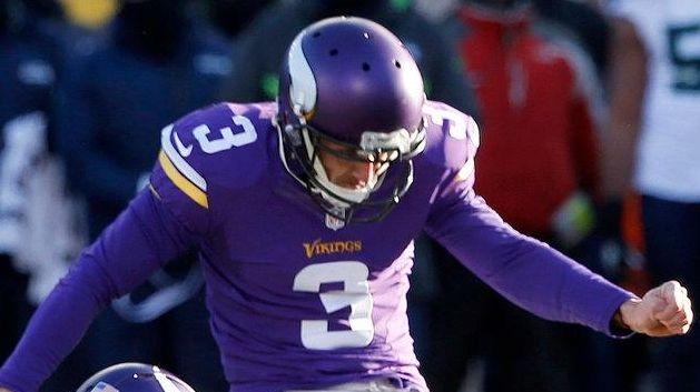Minnesota Vikings kicker Blair Walsh (3) misses a