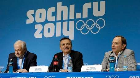 NHL Players' Association Executive Director Don Fehr, left,