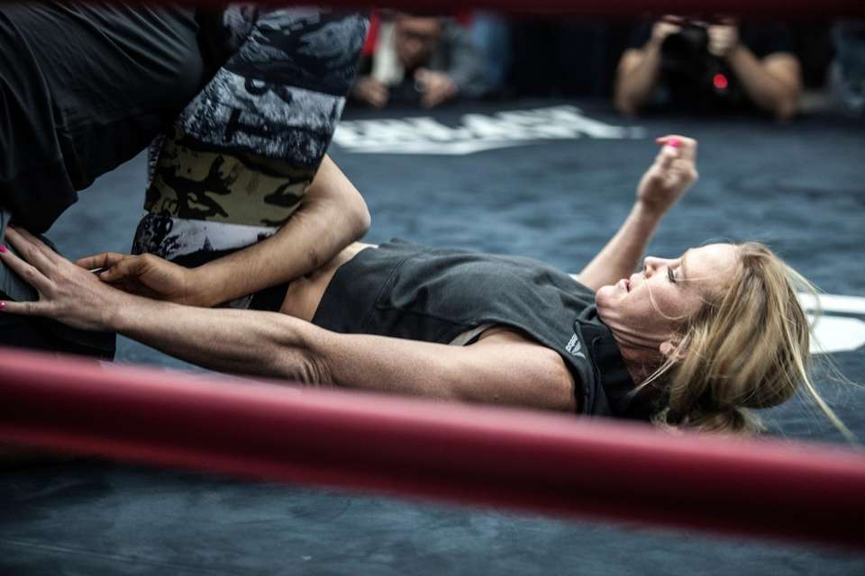 Holly Holm trains at her UFC 208 open