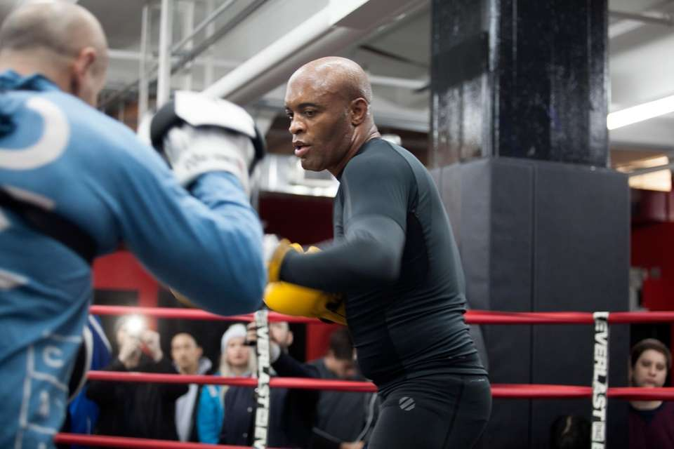 Anderson Silva trains at his UFC 208 open