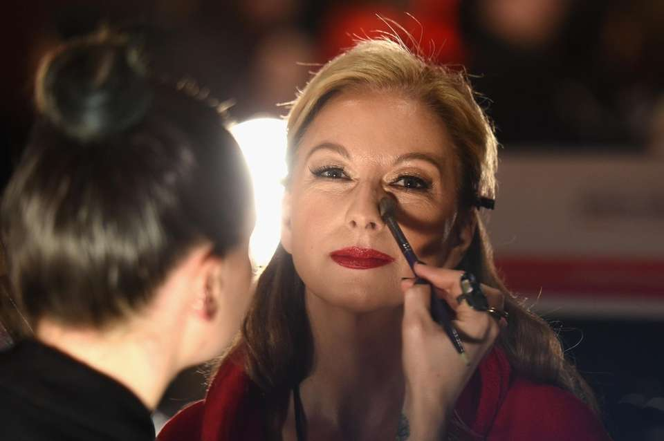 Nicole Hardy prepares backstage at the American Heart