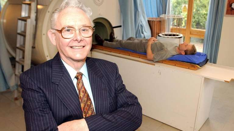 Mansfield, a Nobel laureate, developed the whole-body scanner