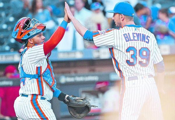 New York Mets catcher Rene Rivera and Mets