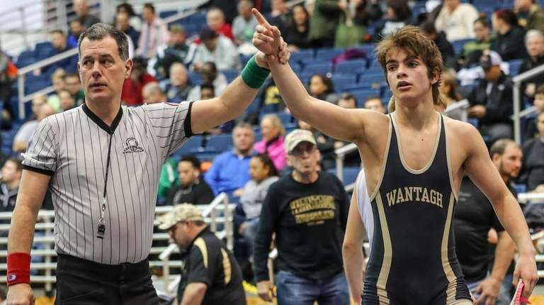 Justin Vines of Wantagh gets the victory with