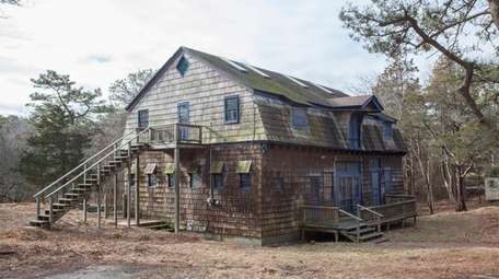 This Southampton carriage house, listed for $940,000, offers