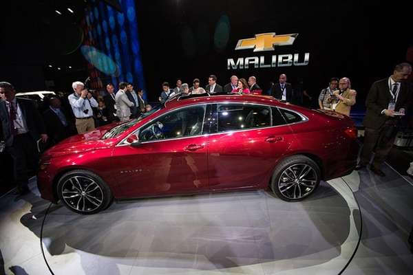 The 2016 Chevrolet Hybrid Malibu model is displayed
