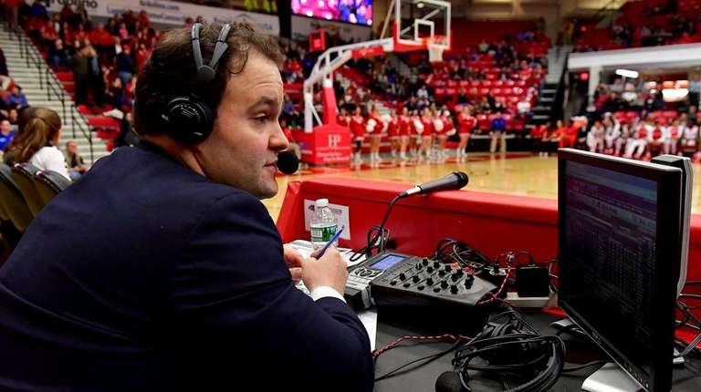 Josh Caray, play-by-play announcer for Stony Brook, calls