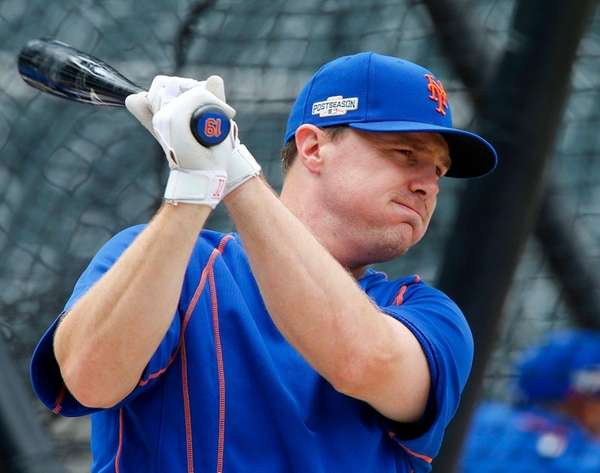 Jay Bruce of the New York Mets prepares