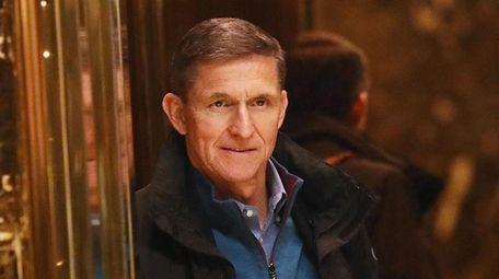 Retired Lt. Gen. Michael Flynn arrives at Trump