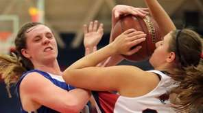 Cold Spring Harbor's Jennifer Rosenberg (34) blocks the