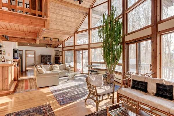 This cedar home in Montauk is on nearly