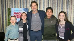 Luke Wilson with Kidsday reporters, from left, Sean