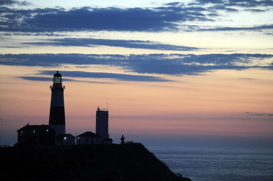 Lots of LI lighthouses to choose from, but