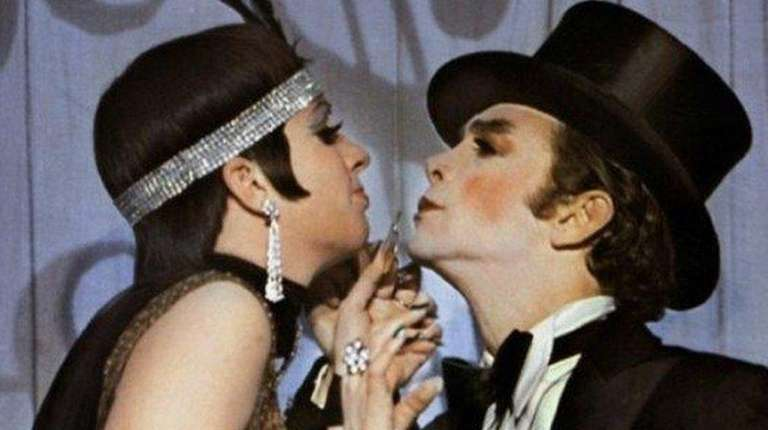 Joel Grey, pictured with Liza Minnelli, will attend