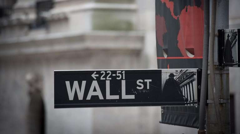 The Wall Street street sign near the New