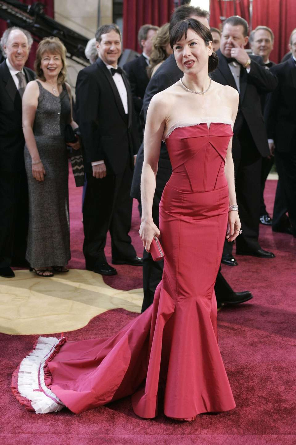 Renee Zellweger arrives at the 77th Academy Awards