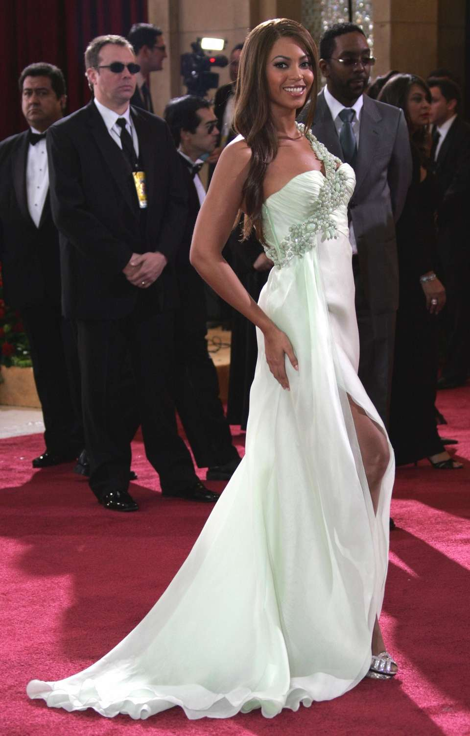Beyoncé arrives at the 79th Academy Awards in