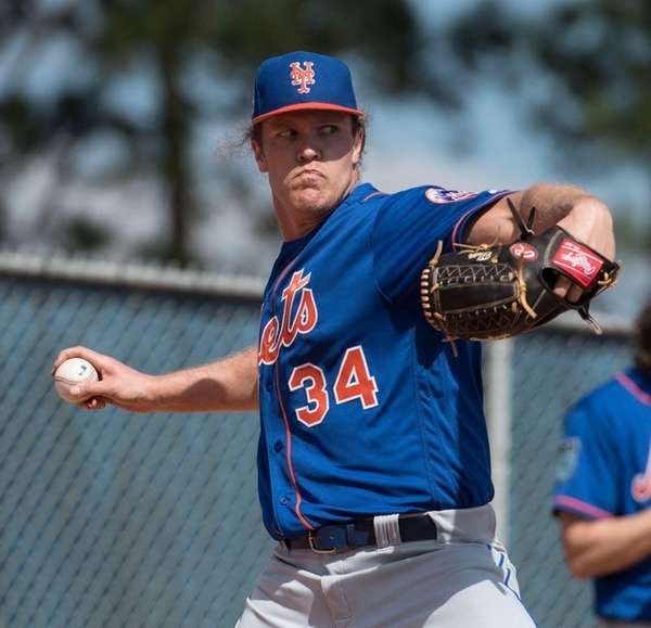 New York Mets' Noah Syndergaard throws a bullpen