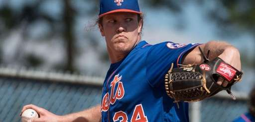 New York Mets' Noah Syndergaard throws a bullpen
