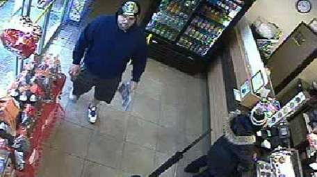 Seventh Squad police are investigating a theft that
